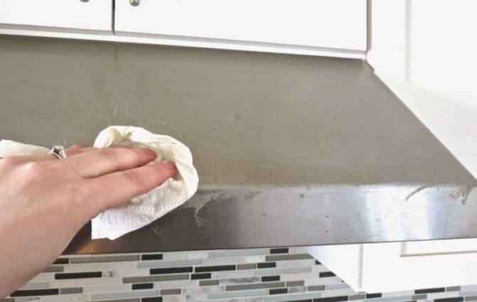 Как очистить от жира кафельную плитку на кухне?