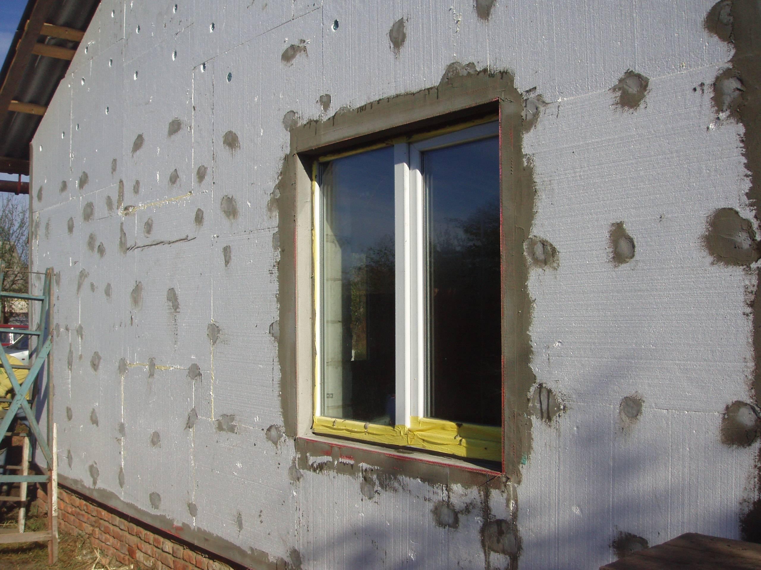 Толщина пенопласта для утепления стен снаружи своими руками, плюсы и минусы материала