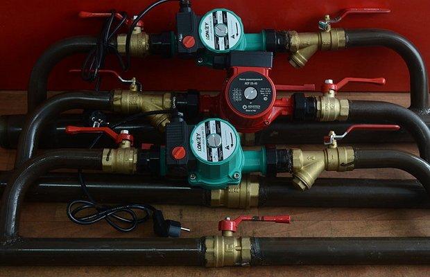 Дополнительный насос в системе отопления дома: как установить два насоса, как включить, поставить, подключить циркуляционный насос, место установки доп насоса отопления