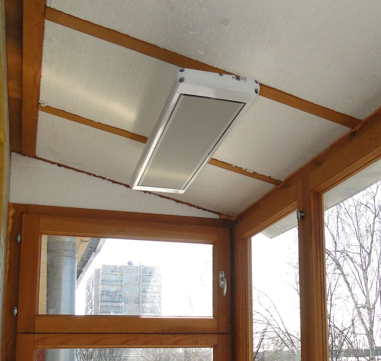 Инфракрасные потолочные обогреватели Алмак: принцип работы и преимущества применения, популярные модели