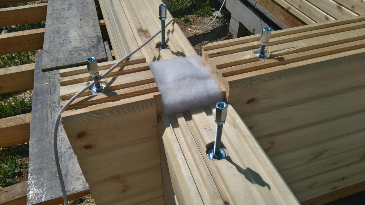 Нужно ли утеплять дом из бруса 200х200 снаружи или изнутри