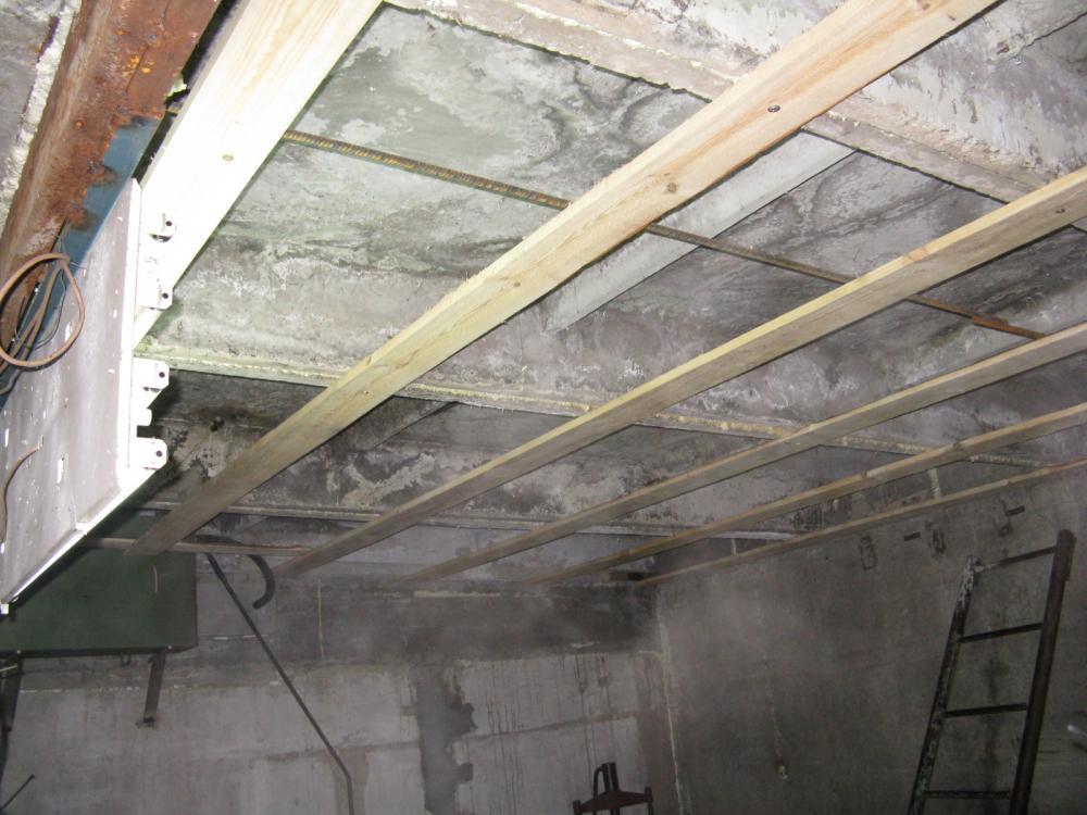 Как утеплить потолок в гараже: подбор утеплителя и подробная инструкция