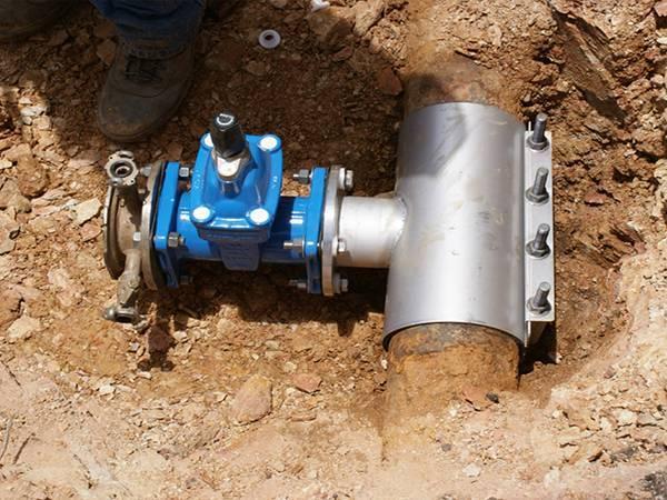 Врезка в водопровод - три способа на все случаи жизни