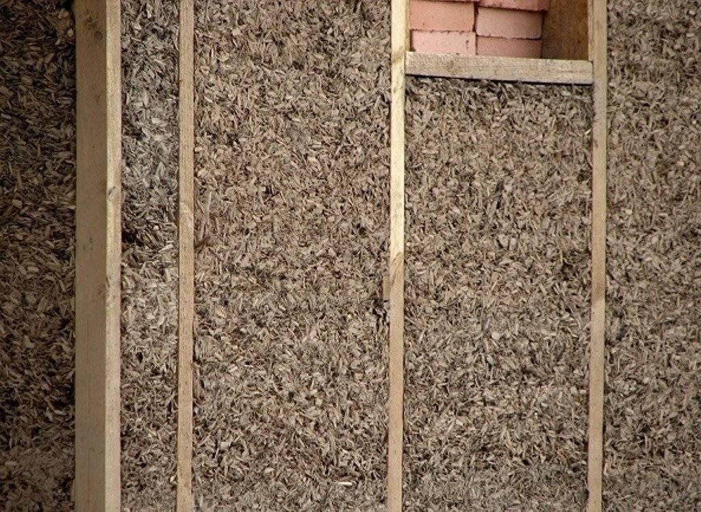 Утепление стен каркасного и деревянного дома опилками