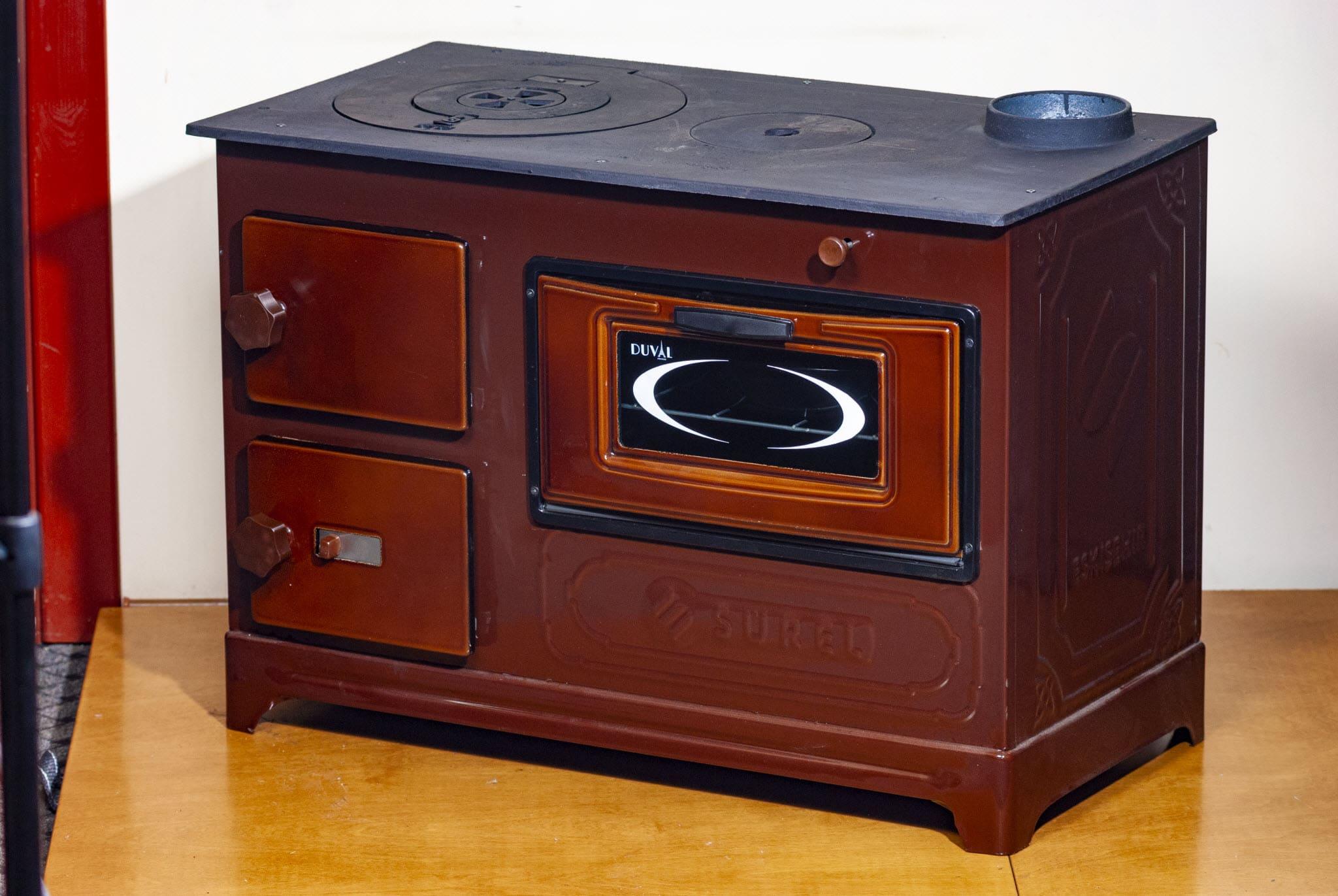Чугунная печь длительного горения для дачи: обзор моделей и цены
