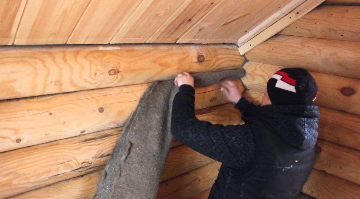 Утепление стен деревянного дома: особенности и технологии
