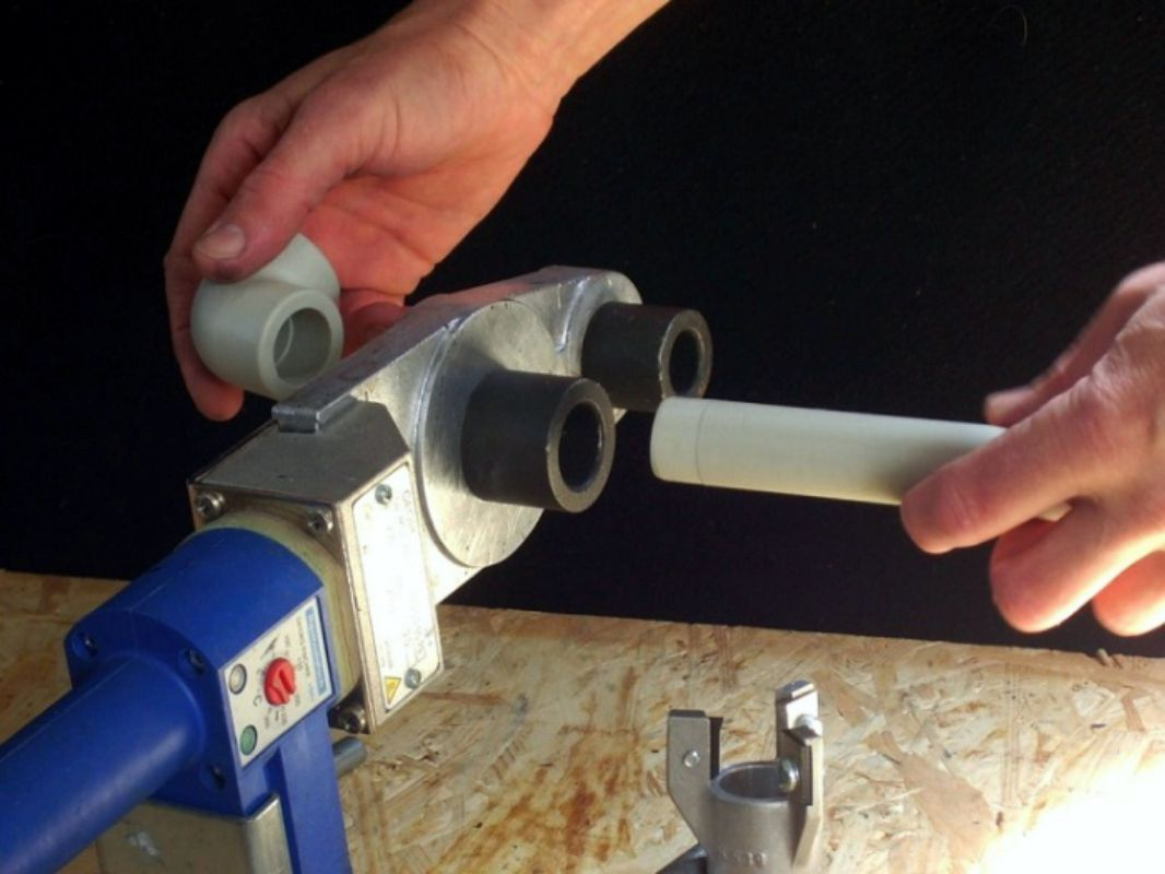 Пайка полипропиленовых труб. какое оборудование выбрать? в чем заключается технология соединения полипропиленовых изделий?