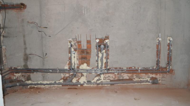 Крепеж для труб к стене: кронштейн, держатель, хомут, зажимы и другое
