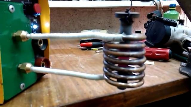Индукционный нагреватель из сварочного инвертора своими руками - жми!