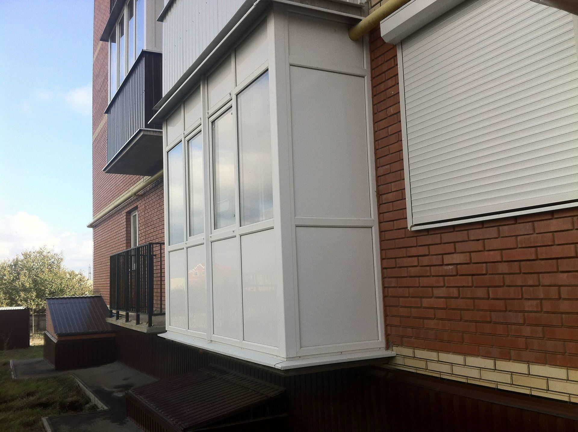 Пластиковые окна на балкон — какие выбрать?