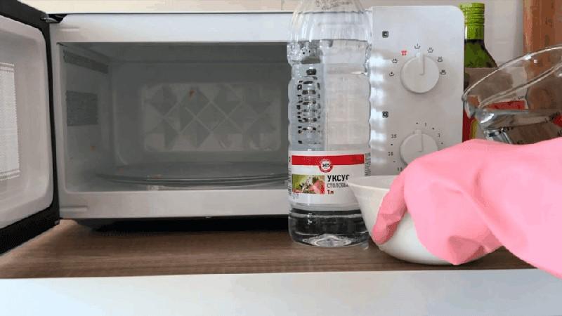 9 продуктов, которые нельзя греть в микроволновой печи