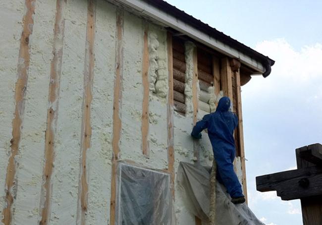 Чем и как утеплить деревянный дом снаружи