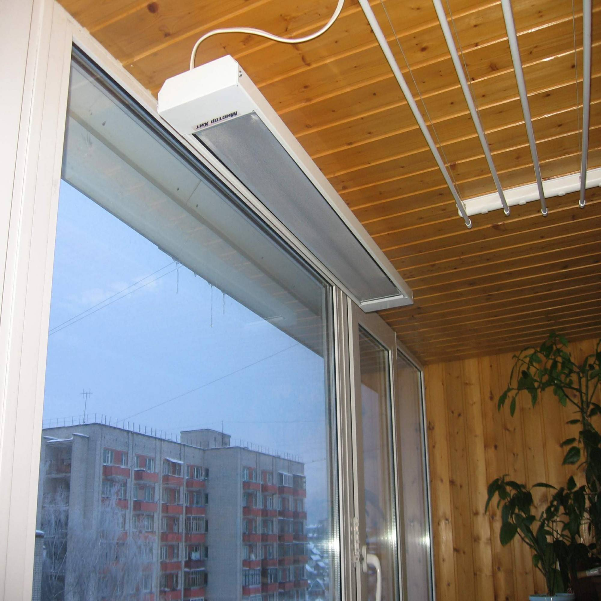 Обогреватель для балкона: можно ли ставить, какой лучше и экономичнее, сравнение расходов
