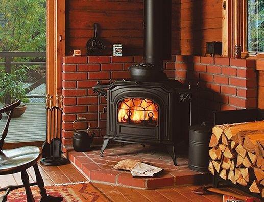 Камин в деревянном доме — рассматриваем по полочкам