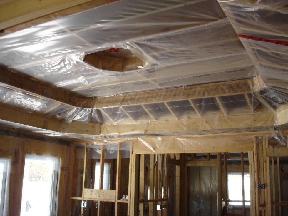 Пароизоляция для потолка в деревянном перекрытии: какой материал выбрать