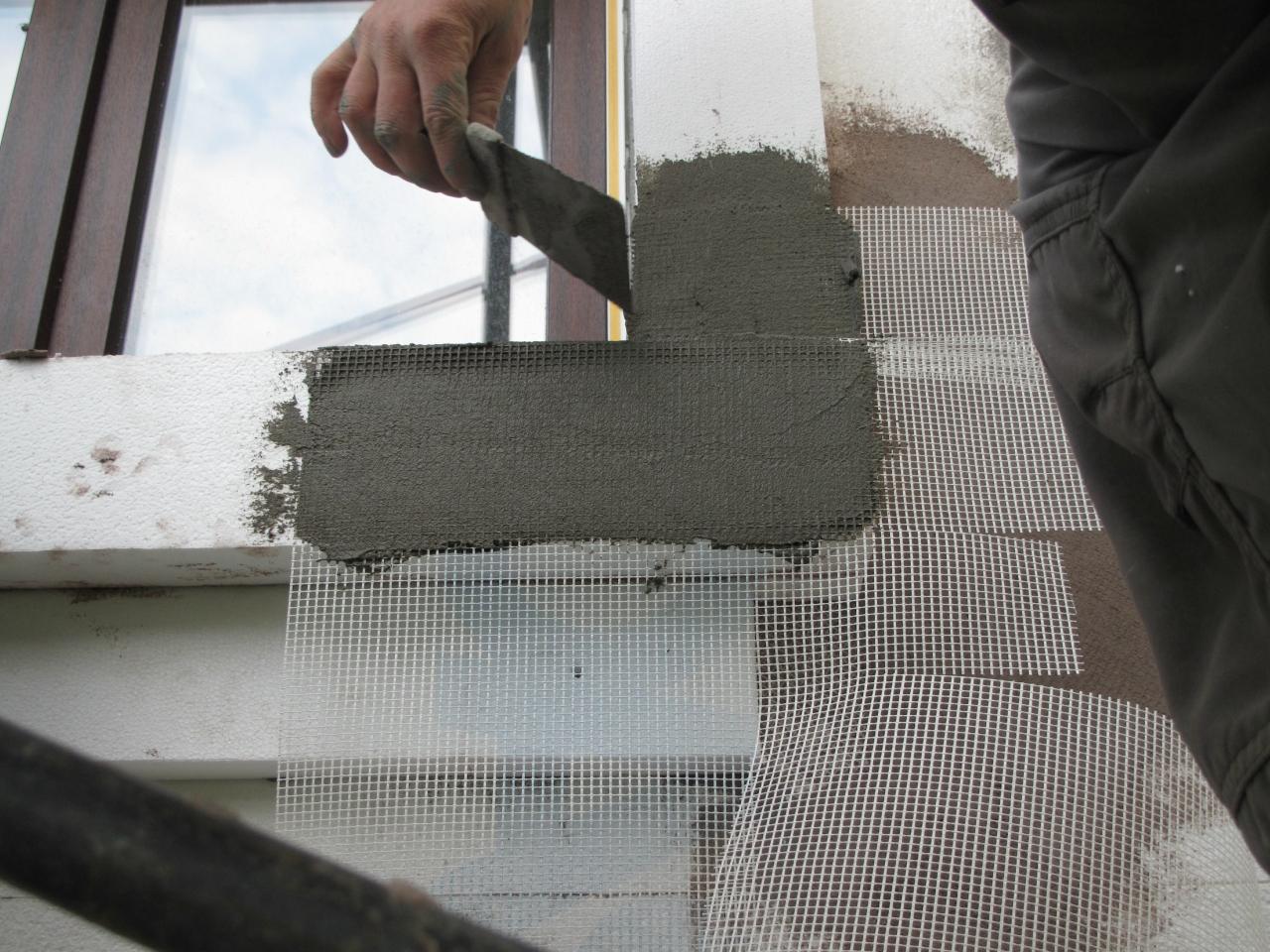 Штукатурка по пенопласту фасада. подготовка поверхности и заготовка инструментов и материалов. способы оштукатуривания