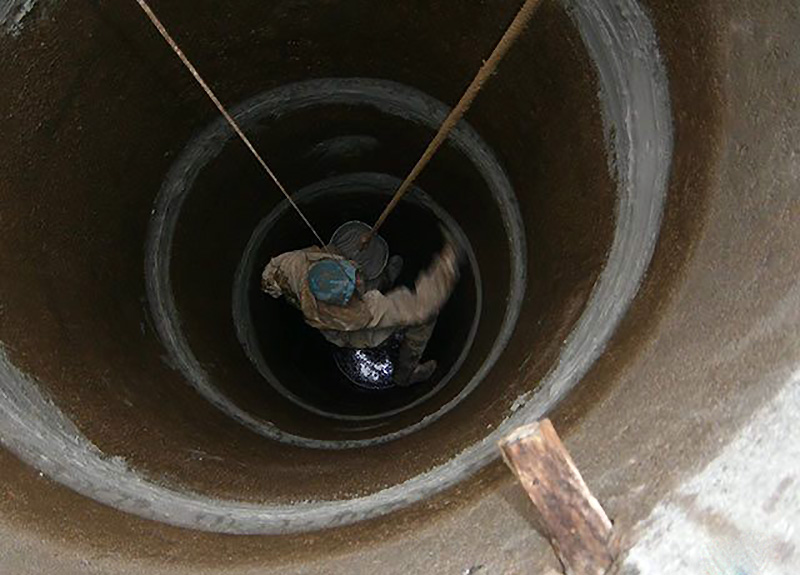 Гидропломба для заделки течей в бетоне: герметизация швов в колодце, между бетонных колец, заделать и замазать