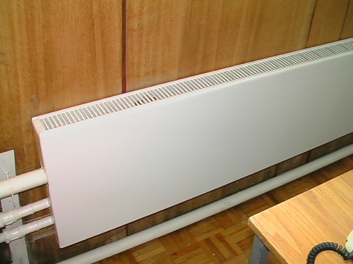 Настенные водяные конвекторы отопления, их устройство, рекомендации по выбору и монтаж