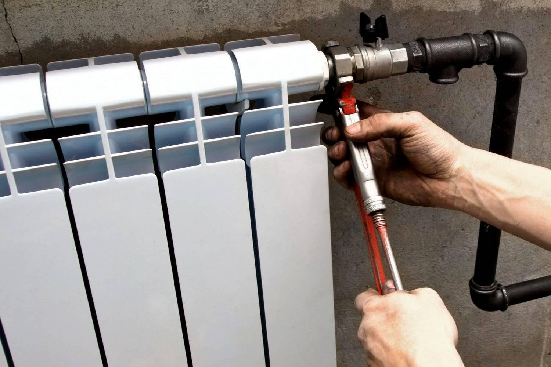 Замена батарей отопления в квартире: кто должен менять сети в мкд по законодательству, как произвести ремонт старых радиаторов тепловой системы бесплатно через жэк?