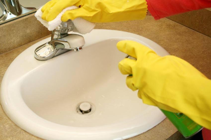Как очистить ванну от желтизны и налета в домашних условиях