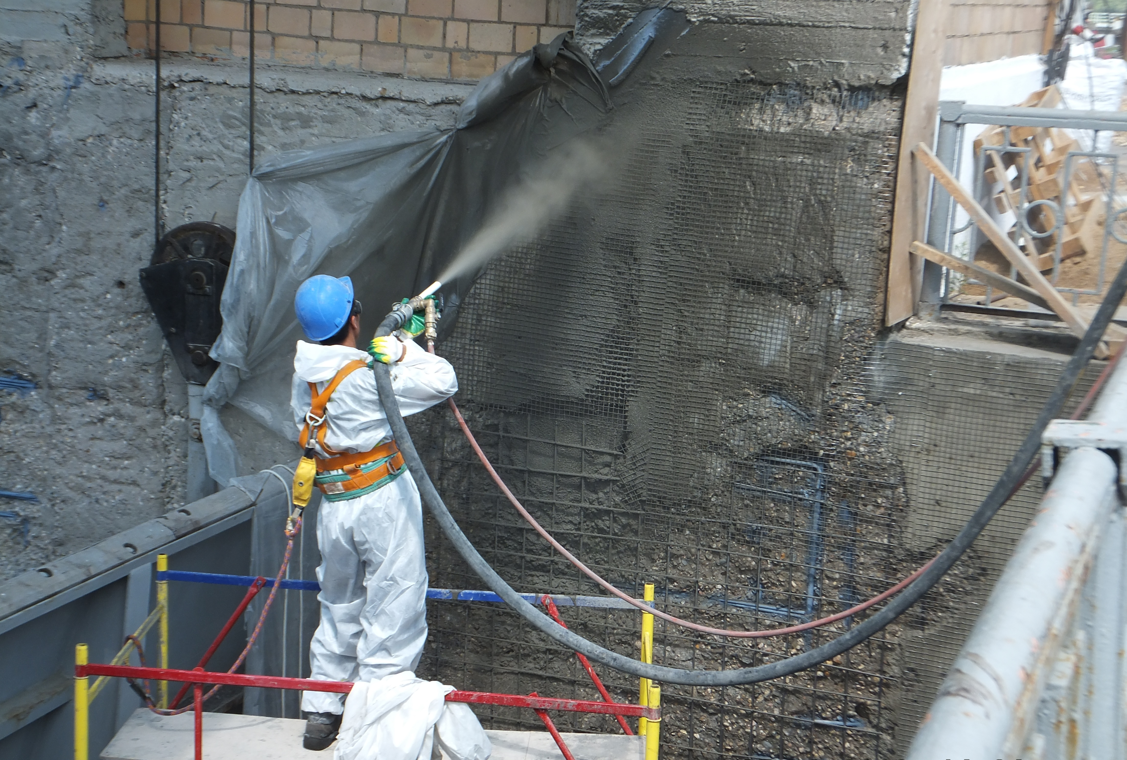 Как и чем заделать трещины в бетоне: виды, подготовка, варианты устранения, обзор лучших смесей для этого