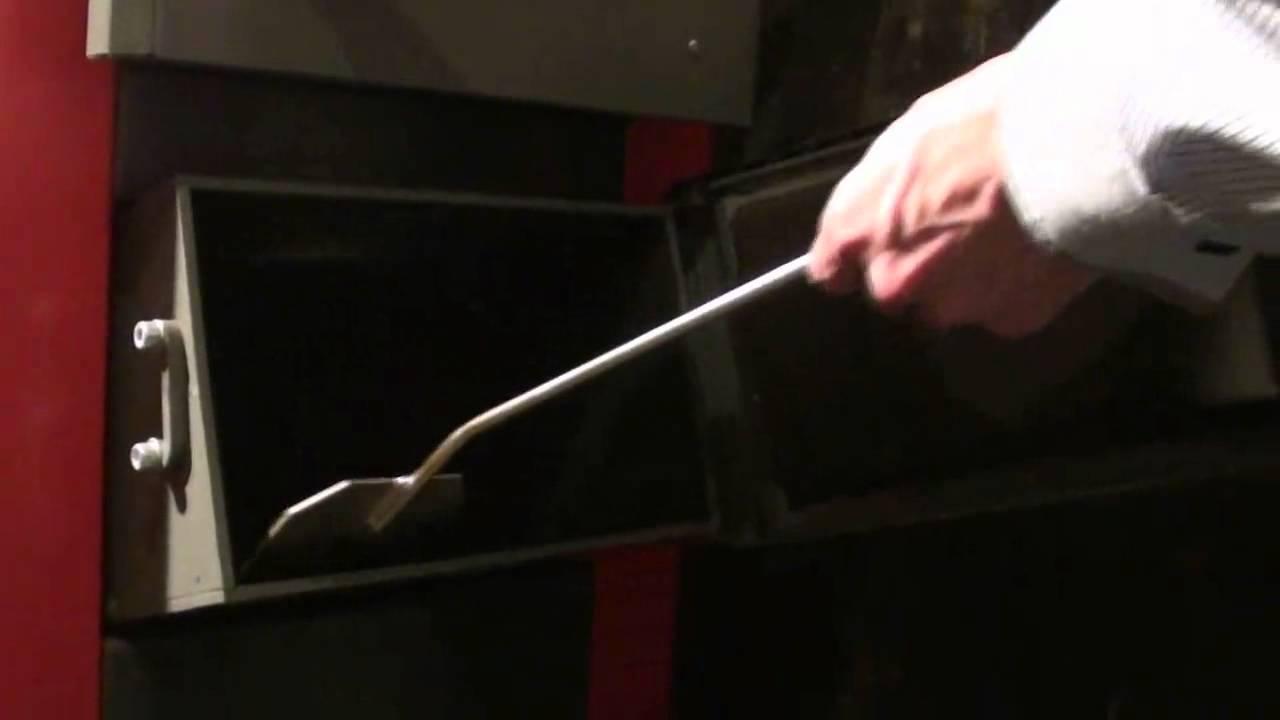 Как очистить твердотопливный котел от смолы, дегтя и сажи: особенности выполнения работ