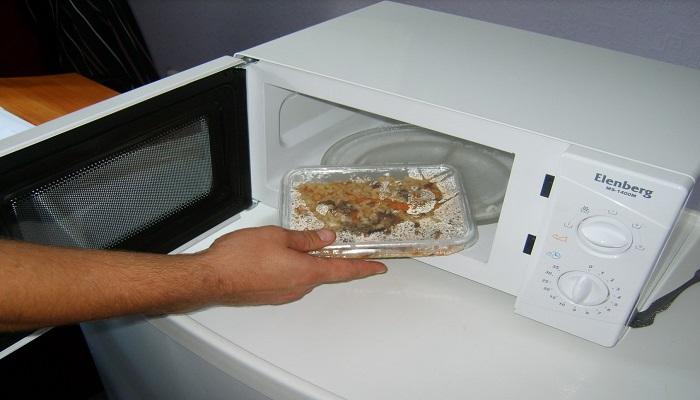 Что нельзя греть и готовить в микроволновке – 20 правил, которые нарушать нельзя
