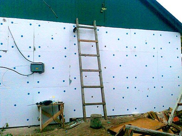 Утепление стен снаружи пенопластом – монтаж пенопласта на фасад