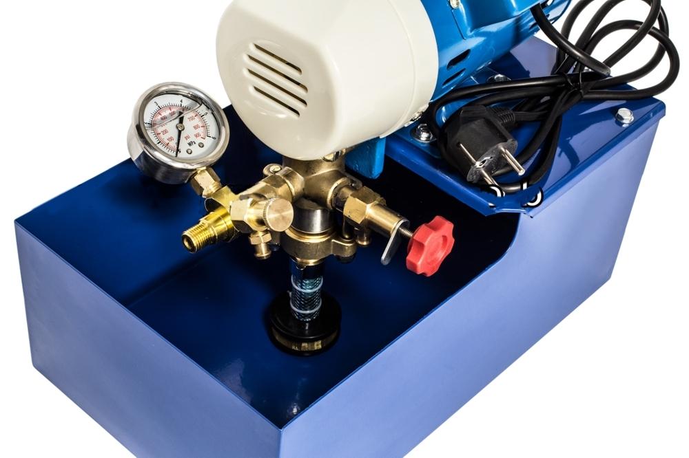 Разновидности и принцип работы насосов для опрессовки системы отопления