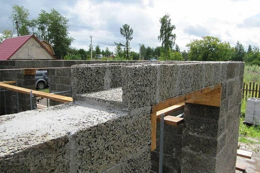 Проекты домов из арболита и строительство своими руками