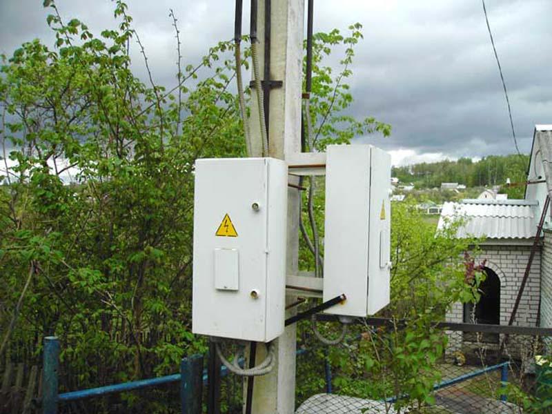Установка электросчётчика на улице/на столбе: законно ли это, могут ли обязать