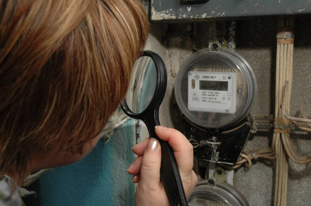 Почему электросчетчик на опоре завышает показания