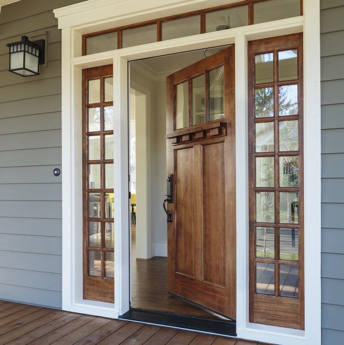 Различия дверей из дерева по типу древесины, порядок установки на входе, утепление, отделка