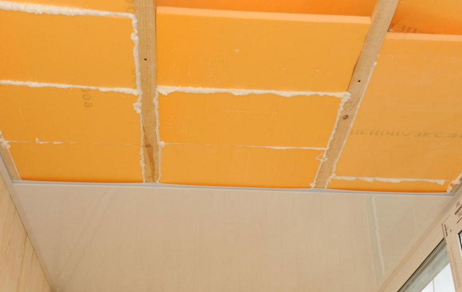 Преимущества и недостатки утепления потолка пенополистиролом