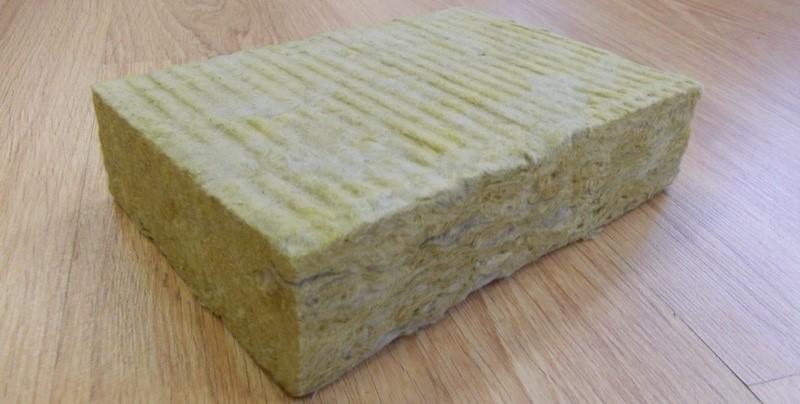 Что лучше: эковата или минвата? отличия каменной ваты и базальтовых утеплителей