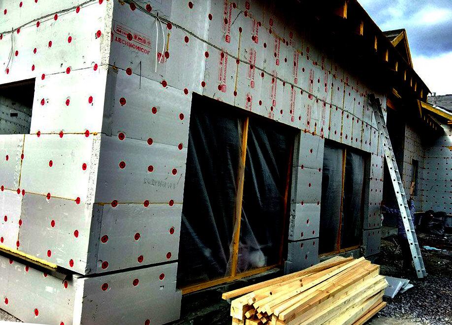 Плюсы и минусы пенопласта, как утеплителя для деревянного дома