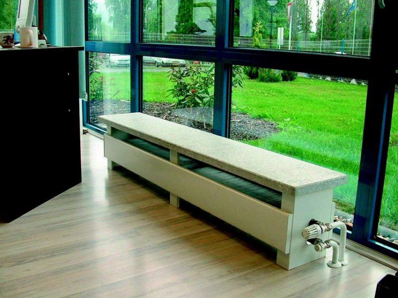 Использования низких отопительных радиаторов для панорамных окон