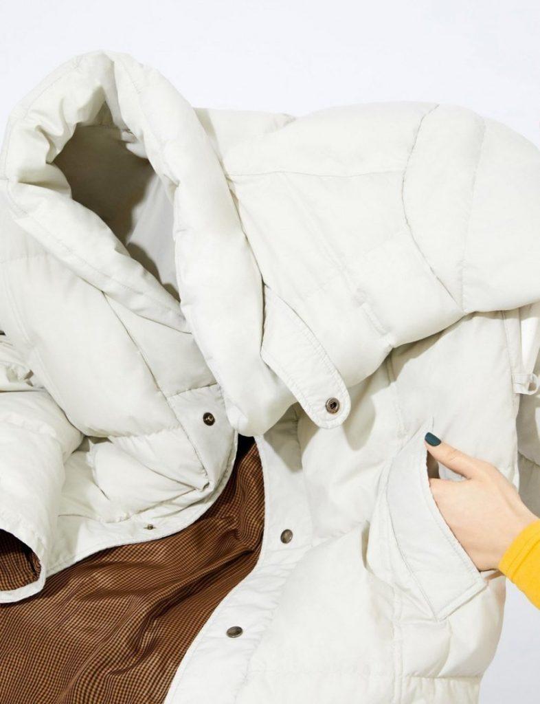 Как почистить пуховик без стирки и без разводов от засаленности в домашних условиях