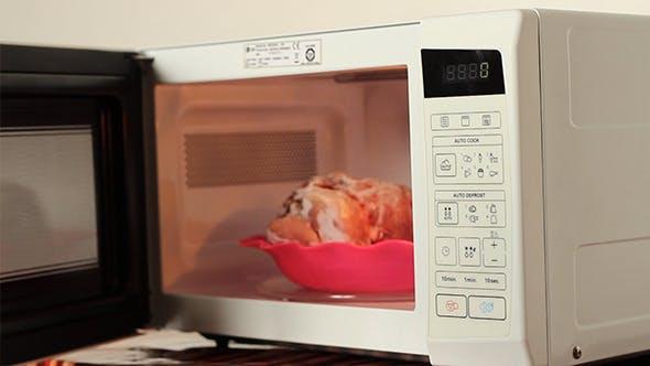 Фольга в микроволновке: что будет, если положить фольгу в микроволновую печь