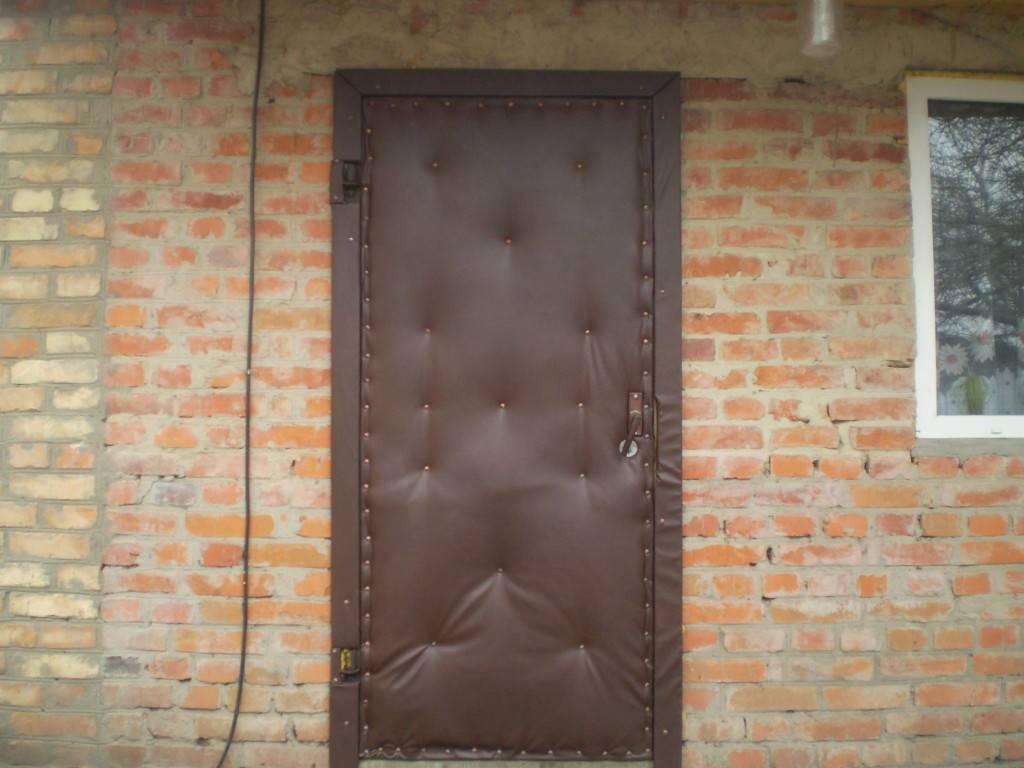 Утепленные входные деревянные двери для частного дома или квартиры, теплоизоляция своими руками