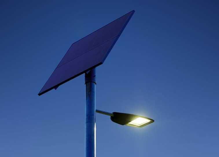 Светильники на солнечной батарее для дачи: принцип действия, обзор разновидностей и советы по установке