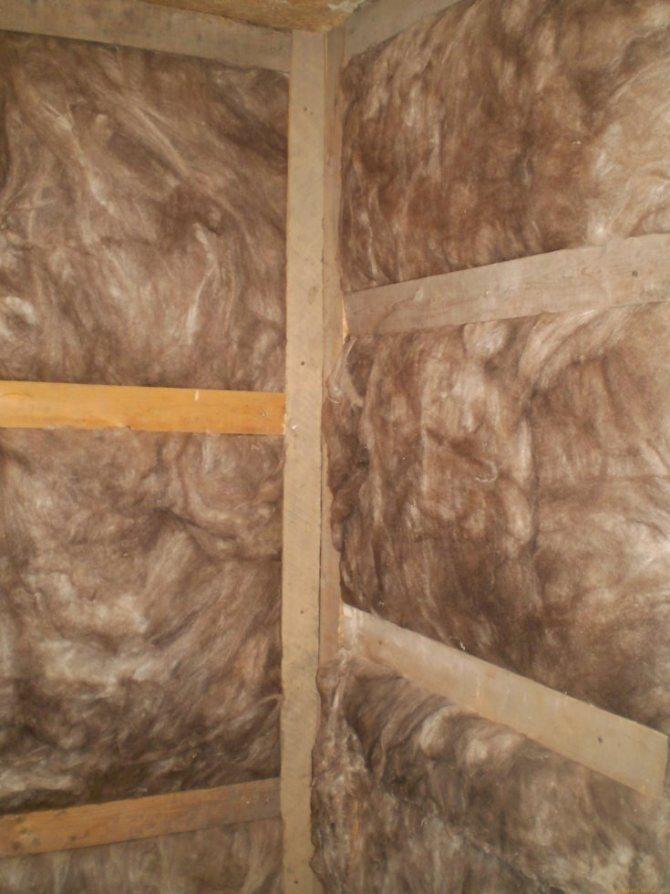 Как и чем утеплить деревянный дом изнутри?