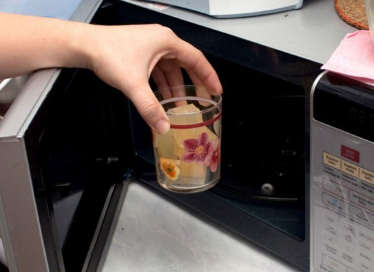 10 вещей, которые нельзя класть в микроволновку :: инфониак