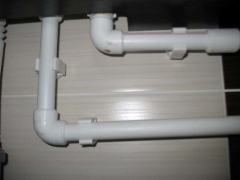 Крепление трубы теплого пола: крепежный материал