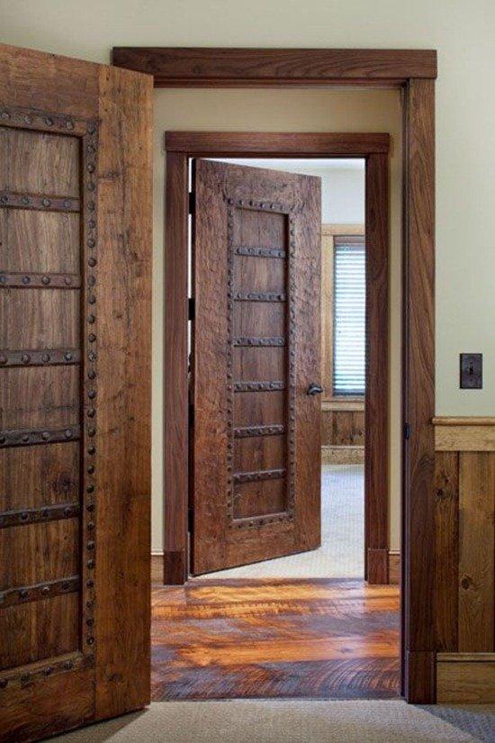 Как выбрать входную дверь в частный дом, металлические или деревянные конструкции