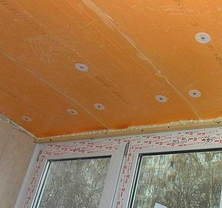 Способы и материалы для утепления потолка на балконе