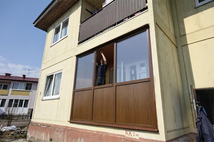 Панели для балкона: плюсы и минусы