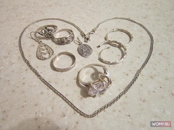 Теперь чищу кольцо только так: как почистить серебро в домашних условиях?