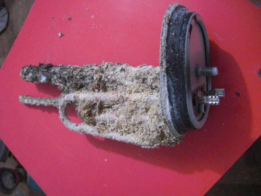 Как самостоятельно почистить бойлер от накипи и грязи в домашних условиях?