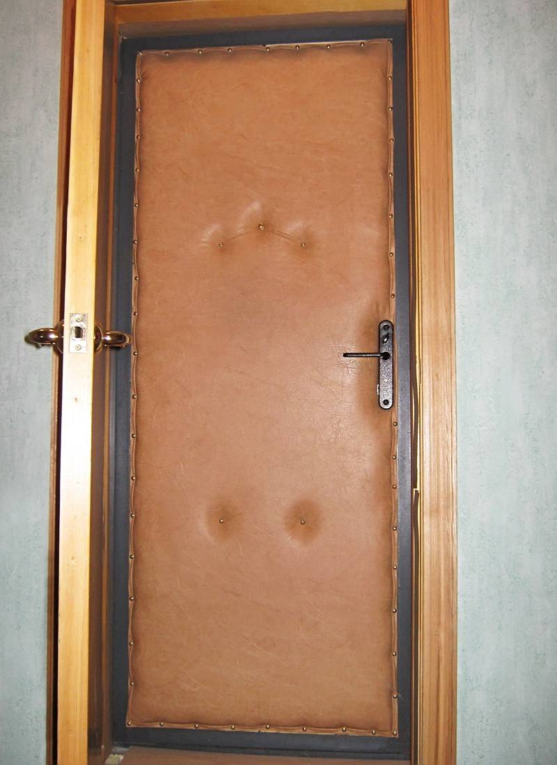 Утепленные входные деревянные двери (35 фото): утепление уличных дверей в частном доме своими руками, виды